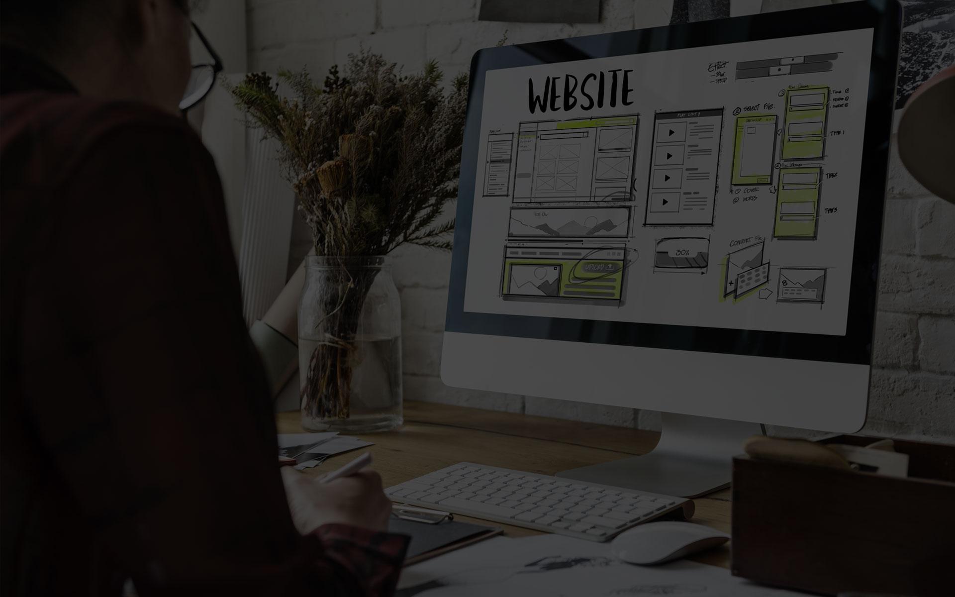 """Création de <span class=""""custom"""">sites web</span> professionnels"""
